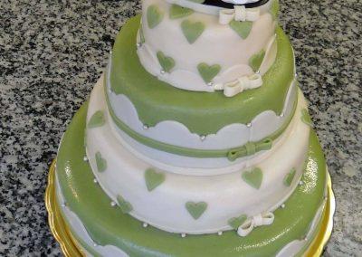 Zöld piramis torta