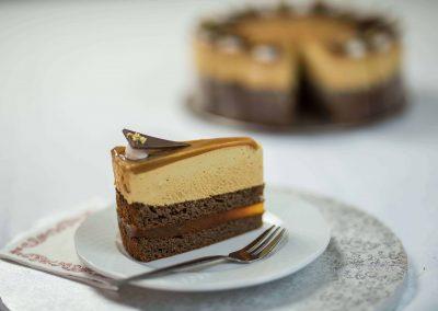 Pannonhalmi sárgabarack pálinkás karamella tortaszelet (2015 -es országtorta)