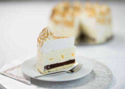 Barackos sajtkrém torta szelet