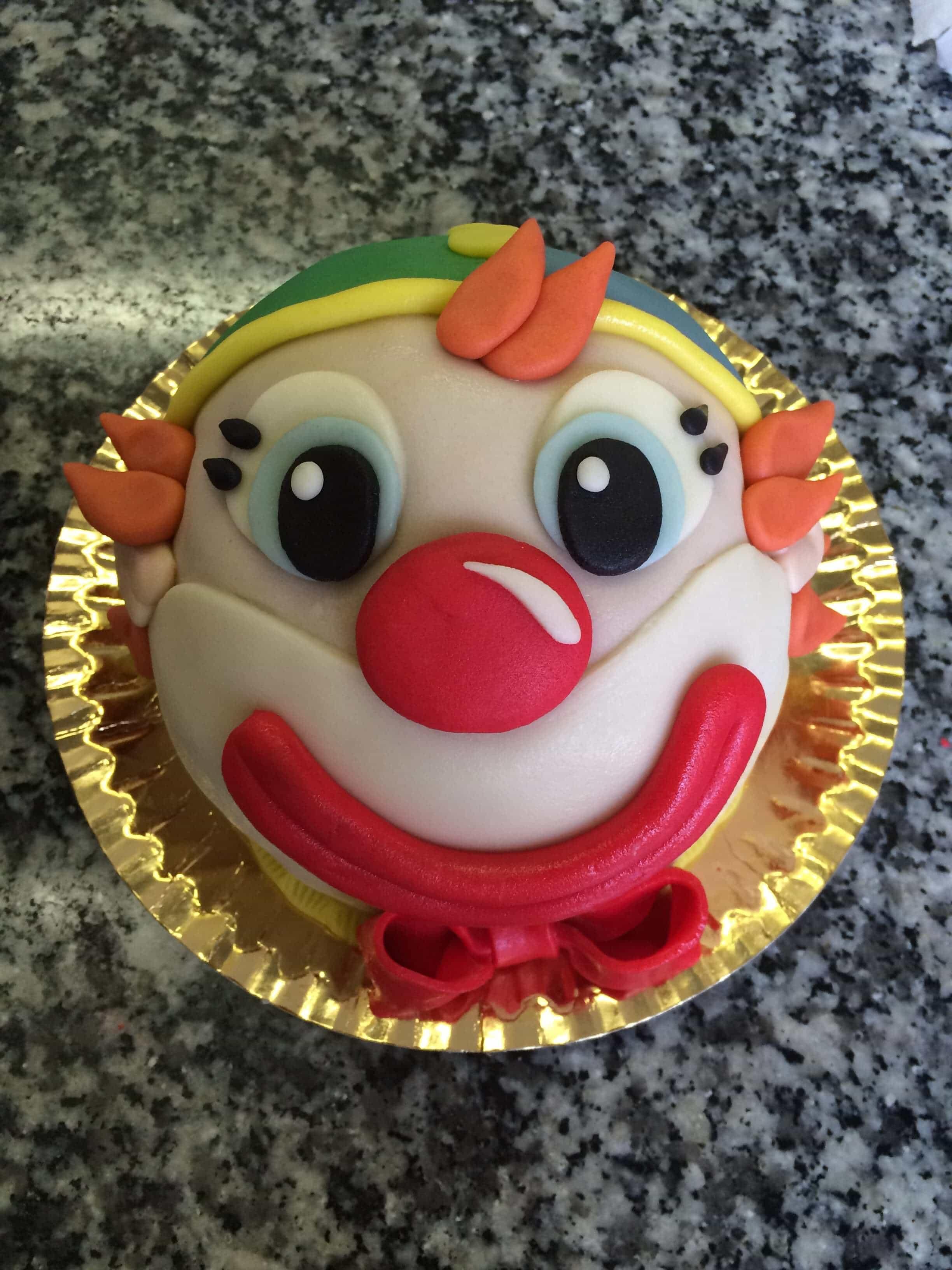 bohóc torta képek Figurás Torták | Emil Cukrászda bohóc torta képek